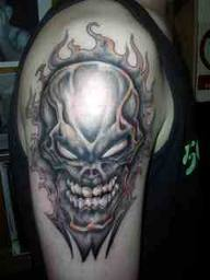 nice-skull-tattoo-on-upper-arm